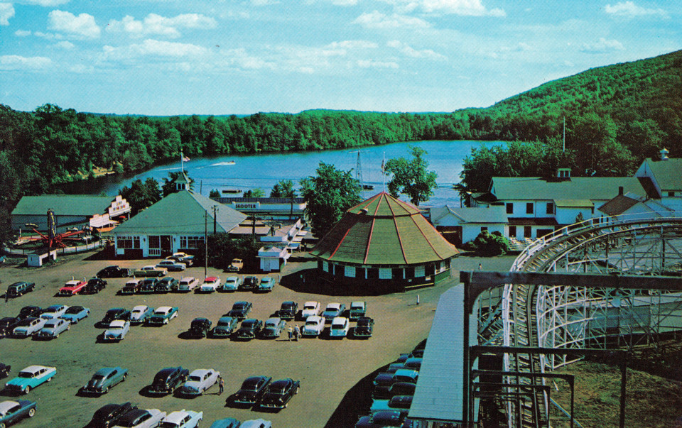 Lake Compounce Amusement Park, Bristol