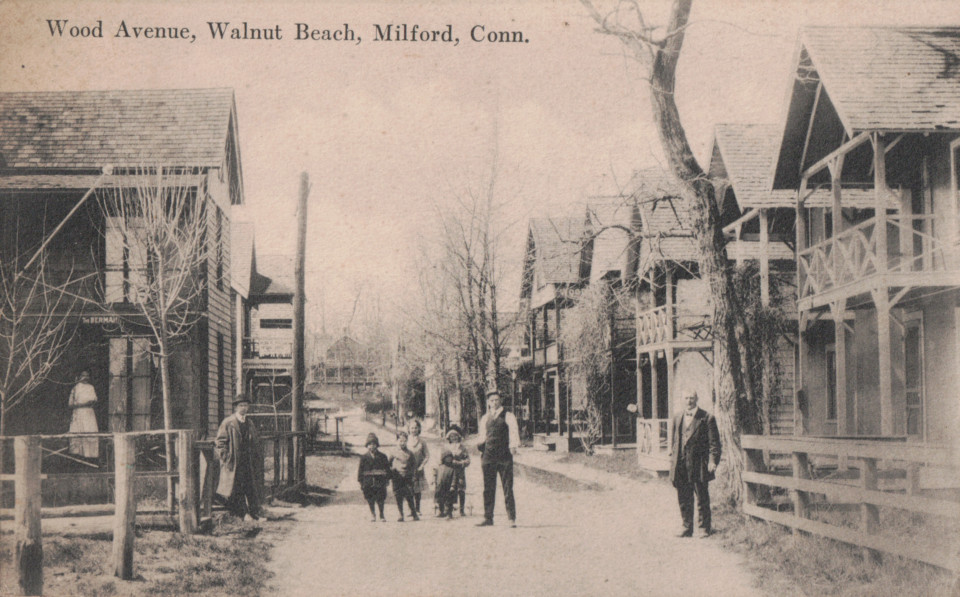 Wood Avenue, Milford