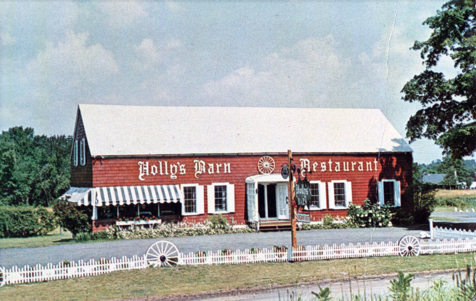 Holly's Barn Restaurant, Branford